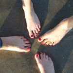 Skarpetkowy sposób na piękne stopy latem