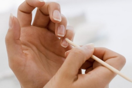 Nieestetyczne skórki wokół paznokci