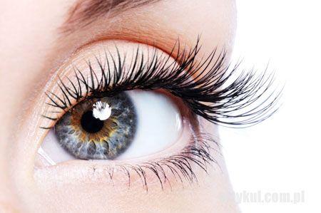 Jak zmniejszyć cienie pod oczami?