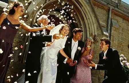 Konfetti na weselu atrakcją tylko dla dzieci?